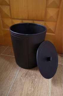 人造皮垃圾桶