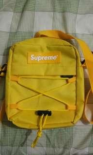 Supreme Sling Bag small (replica)