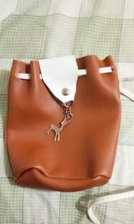 🚚 Leather pouch bag