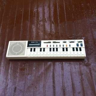 Casio VL tone handheld keyboard. In good working condition.