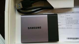 🚚 Samsung T3 Portable SSD Hard Drive Flash Disk 2TB , 2000GB - USB 3.1 External perfect working, perfect cosmetic conditions, like new.