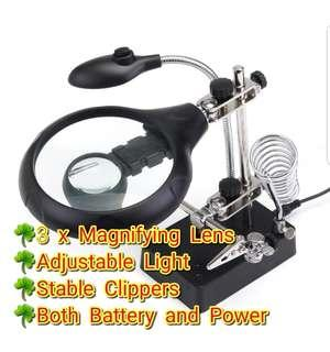 Light Magnifier Magnifying Glass Helping Hand with Alligator Auxiliary Clip together with 2.5X 7.5X 10X magnifying lens, battery or power