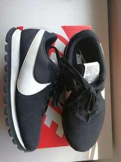 Nike Pre-Love O.X. (women)