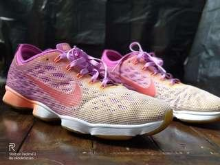 Nike Zoom Fit Agility size 40 Jogging Running Shoes
