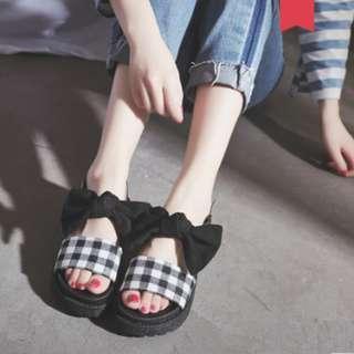 Women Korean Wild Chic Style Fairy Checkered MUffin Bottom Sandals [Black/Khaki]