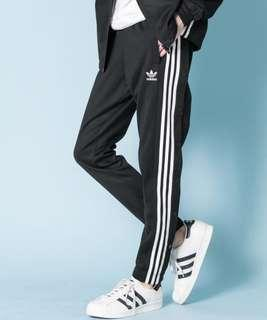 🚚 Adidas 排扣褲
