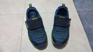 🚚 Skechers boy shoes