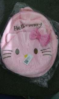 Tas karakter hello kitty untuk anak kecil dan ukuran kecil