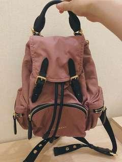 👍👍👍保證全新正品Burberry rucksack 玫粉色 小款 後背包 斜背包