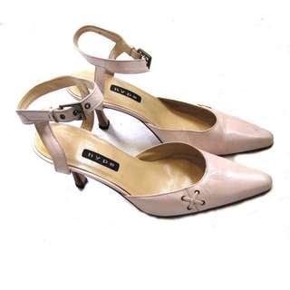 Spain Leather Pale Pink Pointy Heels