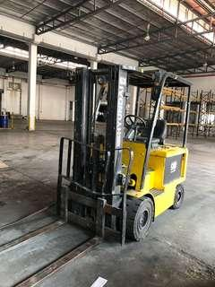 Clearance sale each 2.5 ton Hyundai battery forklifts