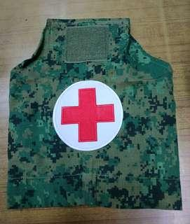 🚚 1 x brand new and unused Medic arm band with free delivery