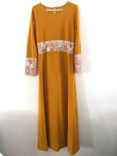 🚚 Rose gold sequin jubah