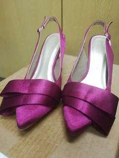 fuchsia mid heels by cipela