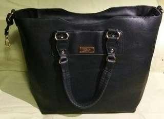 BCBG Giant Tote Shopping Bag 超大購物袋 手挽 側揹 旅行必備