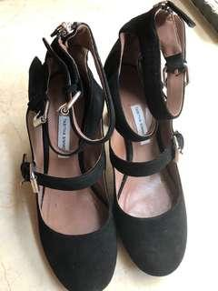 Authentic Thabitha black suede heels
