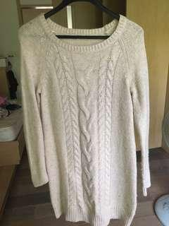 🚚 米色毛衣