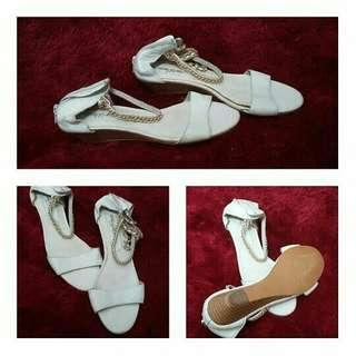 #paydaymaret white sandal