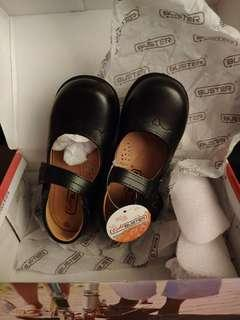 黑鞋27/28碼(內長17cm)