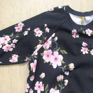 H&M black floral pullover jacket