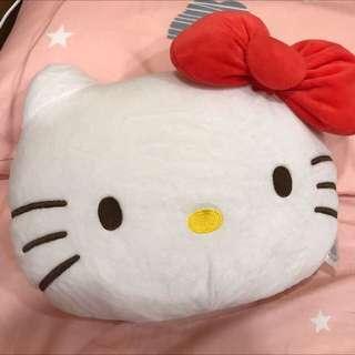 🚚 正版Hello kitty 插手枕頭兩用