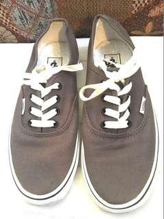 Authentic Vans Mens Shoes Size 6US Men 7.5US Women