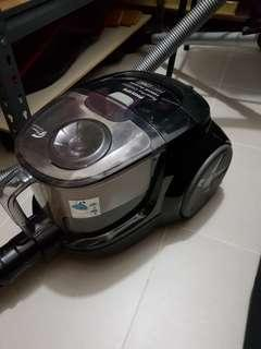Bagless vacuum cleaner Power Cyclone 4