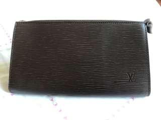 Louis Vuitton Epi brown clutch bag with handle
