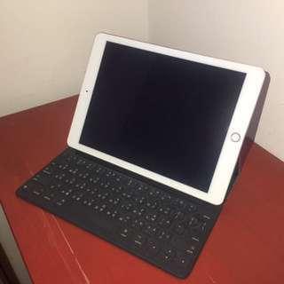 iPad Pro 128G 玫瑰金 wifi+SmartKeyboard(盒裝配件齊全)
