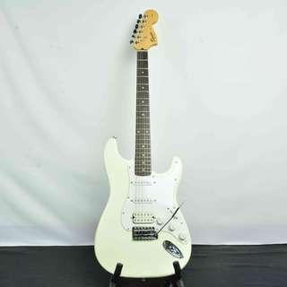 Squier Stratocaster Affinity 米白色 電吉他