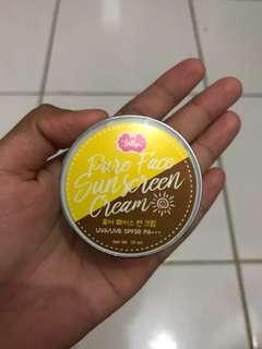 Jellys Pure Face Sunscreen Cream SPF 50+++