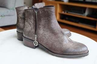 THE WISHBONE COLLECTION Fallon Leather Boots, Size 6M or EUR 36-36.5