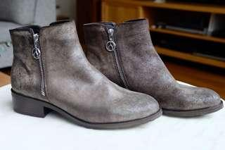 THE WISHBONE COLLECTION Fallon Leather Boots, Size 8M or EUR 39