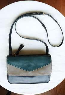 CRAIE leather bag with detachable clutch, great condition