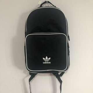 🚚 Adidas愛迪達後背包