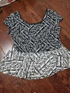 Women's black n white pattern peplum top