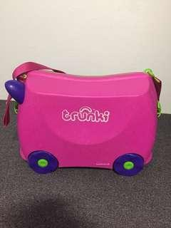 Trunkie for kids moving luggage