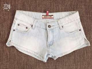 New future light denim shorts