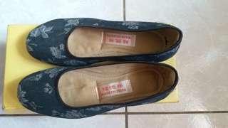 繡花舒適平底鞋