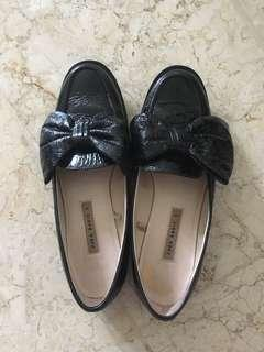 sepatu loafers Zara