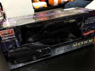 Voxy 1:24 (Black) 搖控車