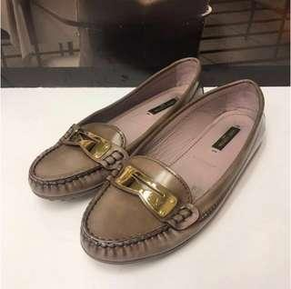 Size 34.5 大特價 Louis Vuitton Leather Loafer