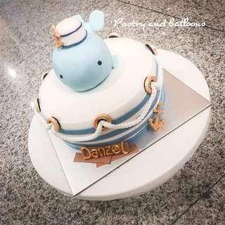 Customise fondant whale cake