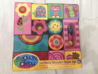 14 pieces wooden block set