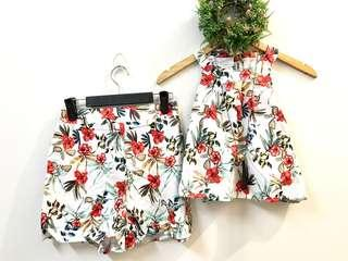 Terno semi cropped halter floral shorts