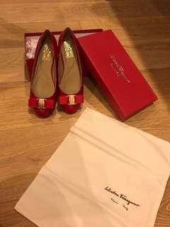 Ferragamo bow ballet flat shoes