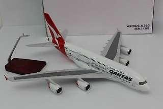 QANTAS AIRBUS - A380 47CM WITH LIGHT AND LANDING GEAR