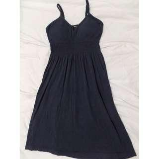 🚚 Comfortable dress with built-in bra