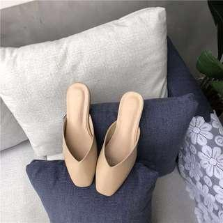 🚚 Minimalistic Slip On/Mules/Flats in Nude (EUR 40 but fits 38-39)