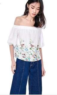 🚚 TEM White Rinoa Embroided Off-Shoulder Top